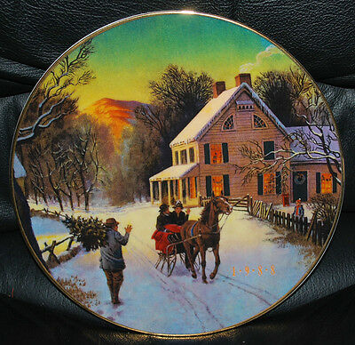 """1988 Christmas Plate HOME FOR THE HOLIDAYS Avon Porcelain Trimmed 22K Gold 8"""""""