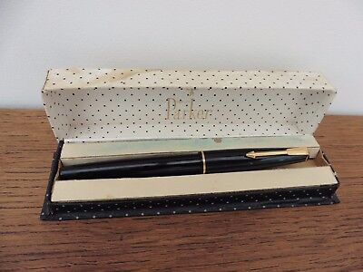 Vintage black & gold Parker 17 fountain pen with original box & free UK post