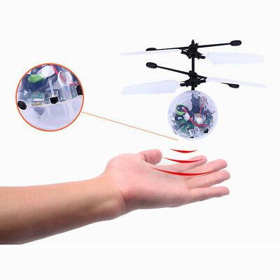 Elektrische LED Blinklicht Flying Ball Induction Aircraft Helicopter+Controller