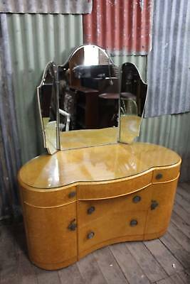 A Classical Art Deco Maple Dressing Table with Winged Mirrors