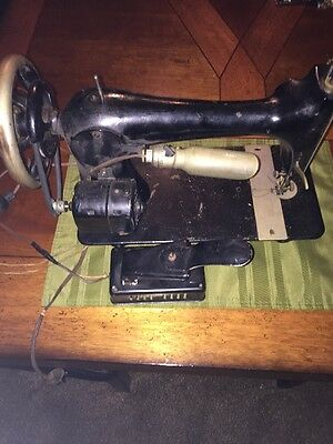 Vintage Antique 1910 Electric Singer Black Sewing Machine foot pedal wood case