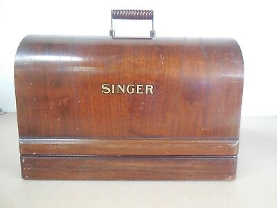 Singer Sewing Machine 28K in Bentwood Case