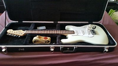 Fender stratocaster squier california series with hard case, as in pictures
