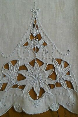 "Vintage 20"" White Linen Tea Towel ~ Hand Embroidery & Cutwork ~ Floral"