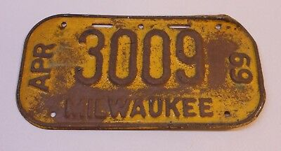 Vintage Wisconsin 1969 Milwaukee Bicycle License Plate