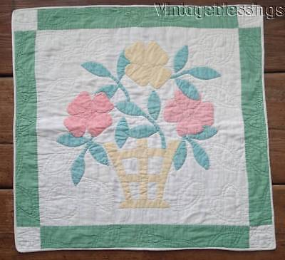 "Pretty Vintage 30s Applique Flower Basket DOLL or Table QUILT 20"" x 19 1/2"""