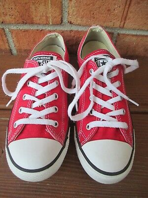 Women's Size 8 Lace Up Converse All Star Classic Sneakers - Red