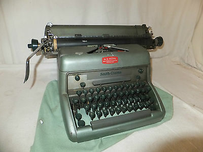 SMITH CORONA Vintage MANUAL Typewriter GREEN Metal SECRETARY Prop DISPLAY IMI90A