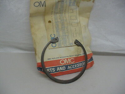 New NOS OMC Retaining Ring  313445      C23