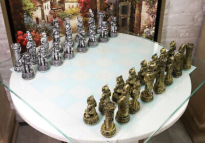 Animal Kingdom Cats Versus Dogs Chess Set Resin Animal Pieces With Glass Board