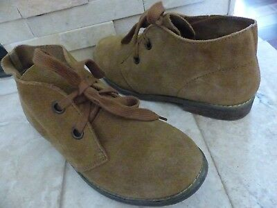 Blowfish Women's 9 Chukka Boots Tan Suede Leather Ankle Lace Up - EUC