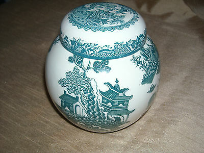 Mason's Patent Ironstone lidded ginger jar in green willow pattern