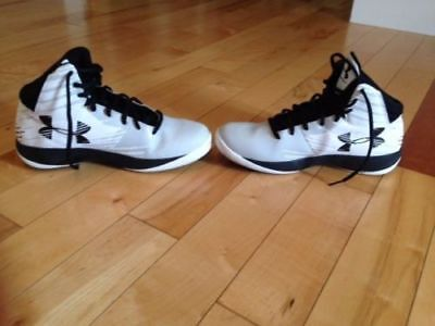Black White basketball UNDER ARMOUR Mens SHOES, Excellent Condition, SIZE 9.5
