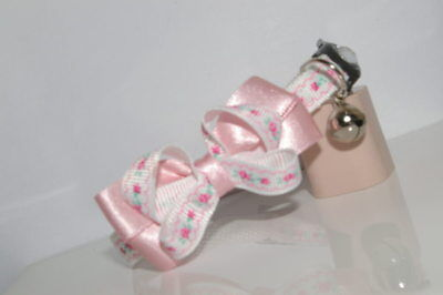 Pale  Pink ,white Flowers  Bow  Adjustable Quick Release Cat Collar