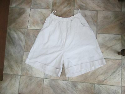 Fine Ladies' vintage leisure shorts by young canda (C&A), marked 176, size 8