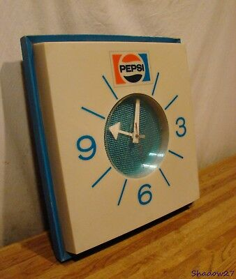 1970s VINTAGE PEPSI CLOCK ADVERTISING SODA SIGN WORKS PRICE BROTHERS CHICAGO USA