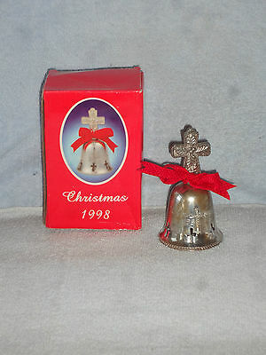 International Silver 1998 Silverplated Bell Engraved Christmas Cross w Box