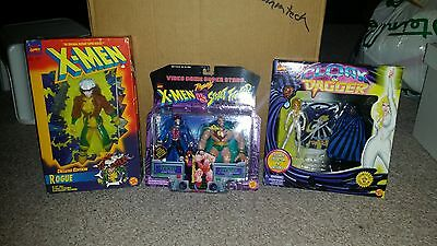 Huge Large Figure Lot of 3 Marvel X-men Street Fighter Versus Cloak Dagger Rogue