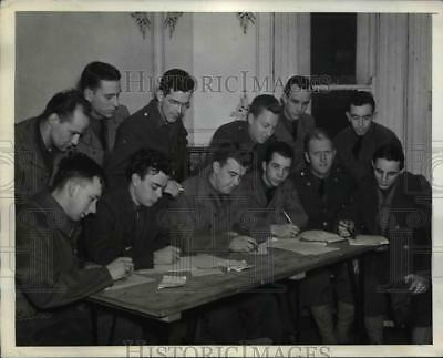 1942 Press Photo Reinforcements Writing Letters Home from Northern Ireland