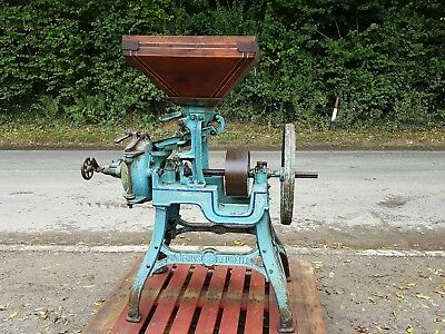 Vintage tractor,Barn find,Stationary engine,Bamfords Grinding Mill,No 2 F, G W O