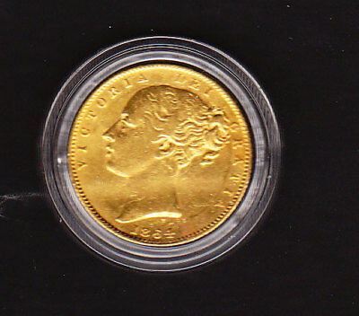 1864   VICTORIA YOUNG HEAD.SHIELD REVERSE  sovereign