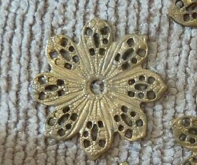 "8 Pcs Lot Vintage Findings 7/8"" Filigree Lacy Discs Brass NOS      #123"