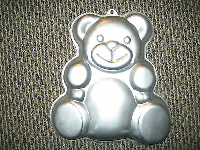 Wilton Huggable Teddy Bear Cake Pan (2105-4943, 2002)
