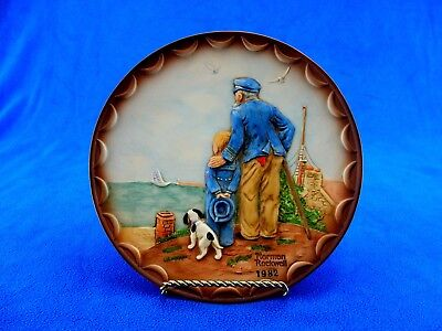 "Rockwell 1982 Collector's Club Plate ""Looking Out To Sea"", 3D Bas Relief Artwork"