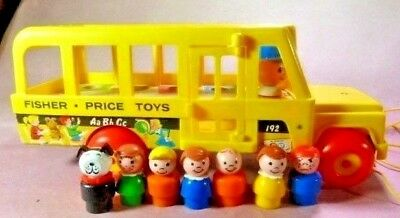 Vintage 1965 Fisher-Price Little People School Bus Pull Toy #192 w/7 Figures