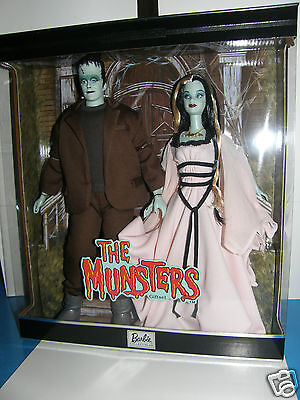 Barbie   Munsters  Lily&Herman gift-set  collector box