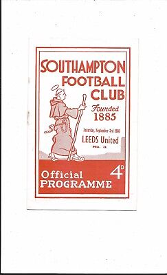 SOUTHAMPTON v LEEDS UNITED 1960-1 DIVISION 2 VERY GOOD CONDITION