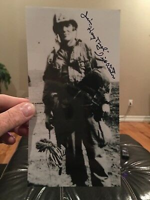 Band of Brothers Dick Winters signed photo- SUPER RARE