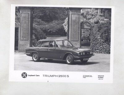 1975 ? Triumph 2500S ORIGINAL Factory Photograph wy6653