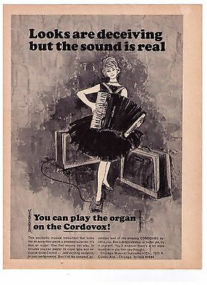 """1965 """"Cordovox"""" Accordion """"Looks Are Deceiving But Sound Is Real""""  Print Advert."""