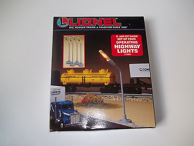 Lionel 6-12804, Set of Four Operating Highway Lights  O and 027 Scale