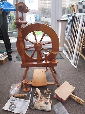 Ashford Traveller Spinning Wheel And Accessories