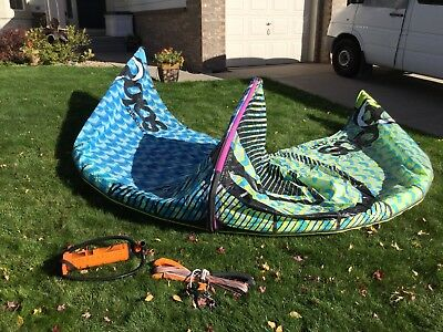 Liquid Force Solo 9 Meter Kiteboarding Kite ~ Complete With Bar & Pump