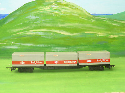 Hornby R633 BR wagon freightliners Ltd with three containers - OO Gauge VGC