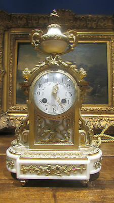Antique Pendulum Bronze Gold Fine 19e Style Louis XVI Napoleon III Mantel Clock