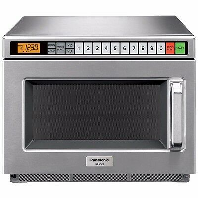 Pro Commercial Microwave Oven, 1700 Watts, 15 power levels, Panasonic NE-17523