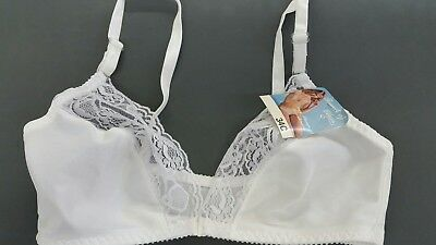 "Vintage White Touch Of Class ""lacy Plunge"" Front Closure Bras Sizes 32 & 34 Nwt"