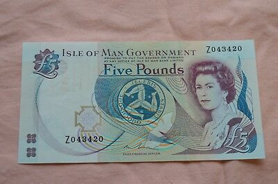 Isle of Man Government Five Pound £5 Banknote Z043420. Replacement creases/dirty