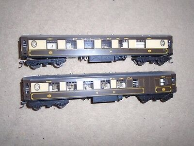 Pair of Pullman Coaches for Hornby OO Gauge Train Sets
