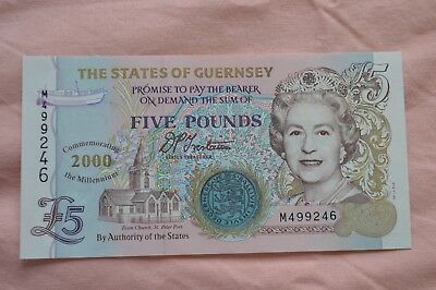 States of Guernsey Five Pound £ Banknote M499246 in a lovely condition
