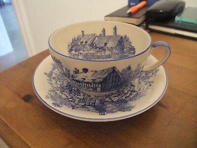 A Fabulous Large Cup & Saucer By Crown Devon Of Ann Hathaways Cottage