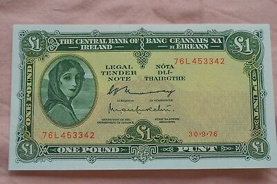 Central Bank of Ireland One Pound Punt £1 Banknote 76L 453342 lovely condition