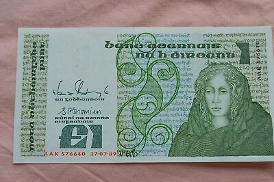 Central Bank of Ireland One Pound Punt £1 Banknote AAK 576640 17/7/79 Very nice!