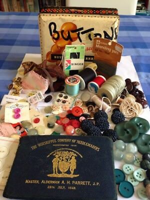Vintage Needle 1948 Case Threads Tin Lots Of Buttons Needles Yarn Etc 80+ Items