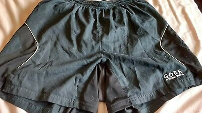 Gore running wear shorts in small