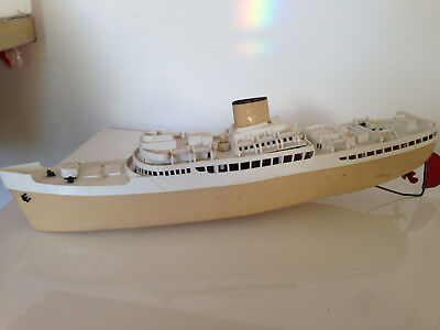 Scalex Boats (Triang) 434S RMS Orcades Ocean Liner: electric plastic model